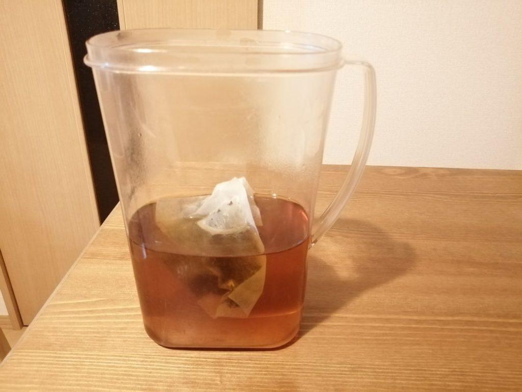 ウーロン茶熱湯注いだ後